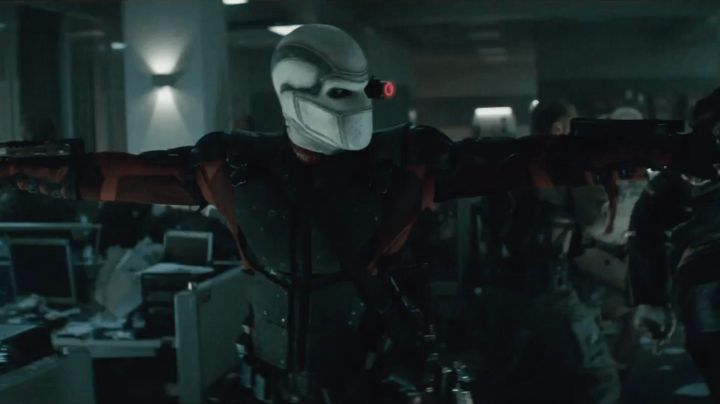 The guns of Floyd Lawton / Deadshot (Will Smith) in Suicide Squad - Movie Outfits and Products
