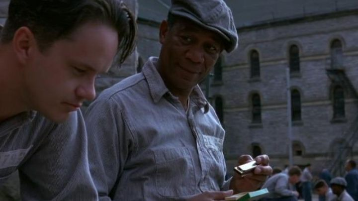 """The harmonica of Ellis Boyd """" Red """" Redding (Morgan Freeman) in The shawshank redemption - Movie Outfits and Products"""