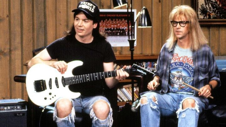 The hat Wayne's World Wayne Campbell (Mike Myers) in Wayne's World - Movie Outfits and Products