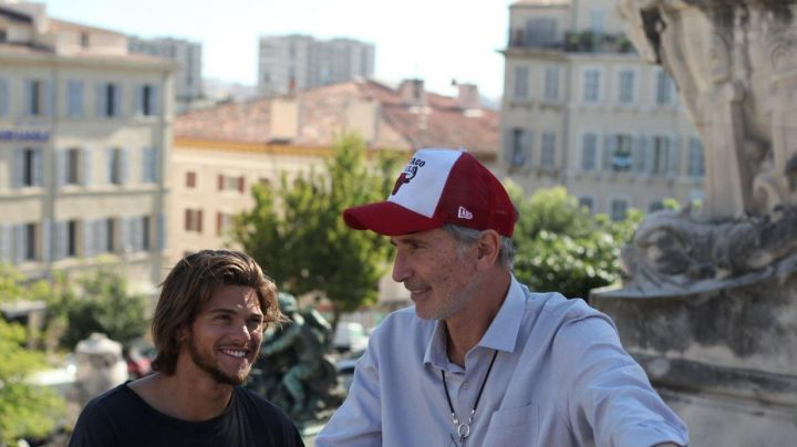 The hat red and white New Era Chicago Bulls Thierry Lhermitte in The final - Movie Outfits and Products