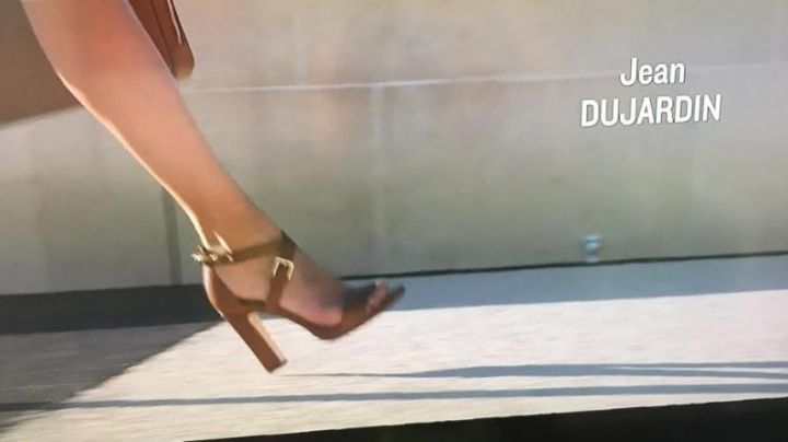 The heeled sandals from Diane (Virginie Efira) in A man at the height - Movie Outfits and Products