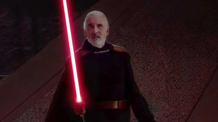 The held complete of Count Dooku (Christopher Lee) in Star Wars II : attack of The clones - Movie Outfits and Products