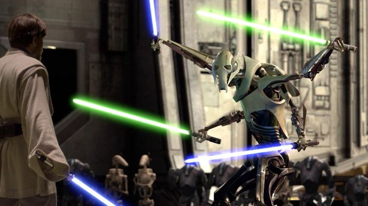 The held complete of General Grievous in Star Wars III : revenge of The Sith - Movie Outfits and Products