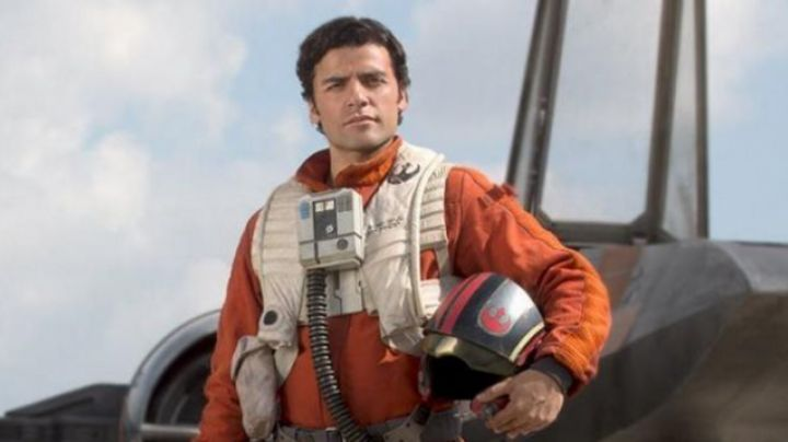 Fashion Trends 2021: The helmet of Poe Dameron (Oscar Isaac) seen in Star Wars VII : The awakening of the force