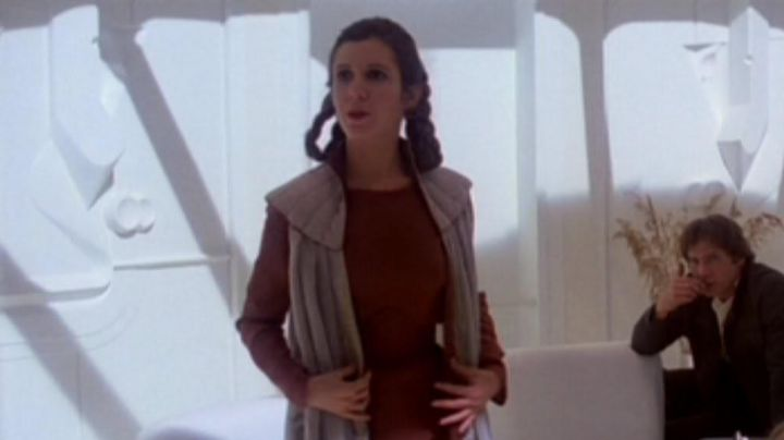 """The holding """"Sublime Cap"""" of Leia (Carrie fisher) in Star Wars VI : The empire against attack - Movie Outfits and Products"""