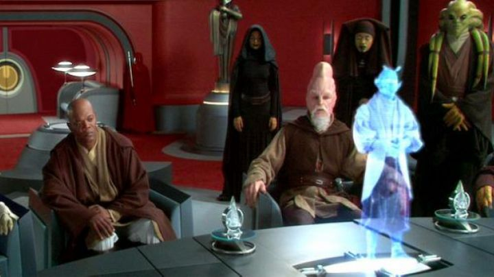 Fashion Trends 2021: The holding of Barriss Offee in Star Wars II : attack of The clones