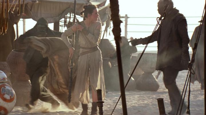 Fashion Trends 2021: The holding of Unkar Thug in Star Wars VII : The awakening of the Force