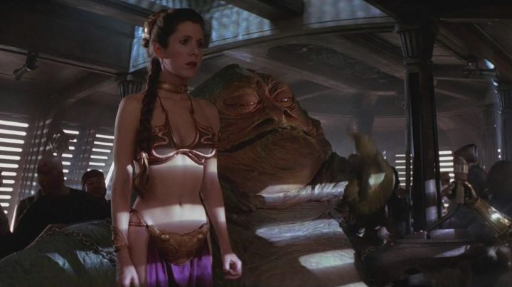 The holding of a slave of Princess Leïa (Carrie Fisher) in return of The Jedi - Movie Outfits and Products