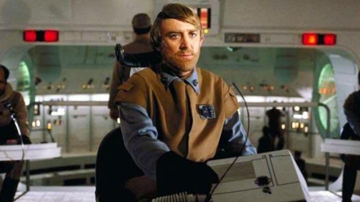 The holding of general Madine in Star Wars VI : return of The Jedi - Movie Outfits and Products