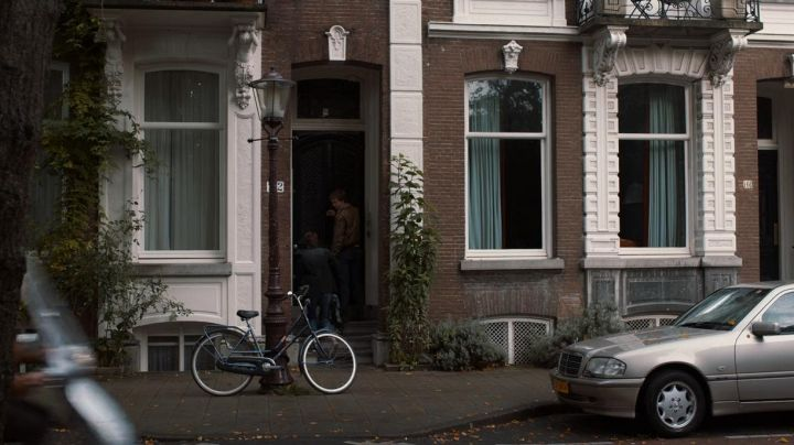 The home of Peter van Houten in Amsterdam in the film, Our stars contrary - Movie Outfits and Products