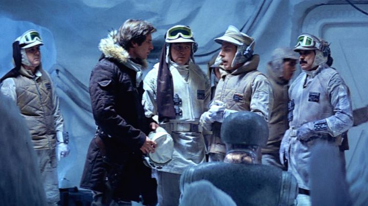 The hood of the rebel army on the planet Hoth in Star Wars Episode V : The Empire strikes back - Movie Outfits and Products