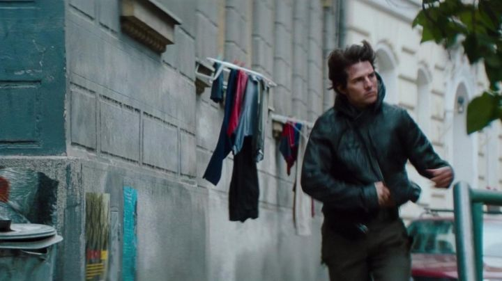 The hooded jacket from Ethan (Tom Cruise) in Mission Impossible : Protocol Phantom movie