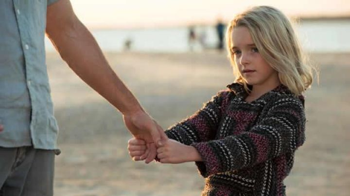 The hoodie that Mary Adler (Mckenna Grace) in Mary