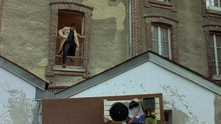 The house at 14 Route de Vernon Bray-et-Lû in the film The science of dreams - Movie Outfits and Products
