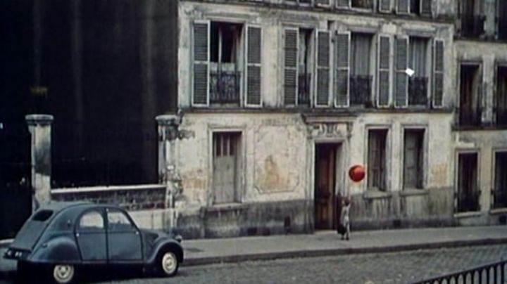 The house of the little boy at 15 Rue du Transvaal, Paris in The red balloon - Movie Outfits and Products