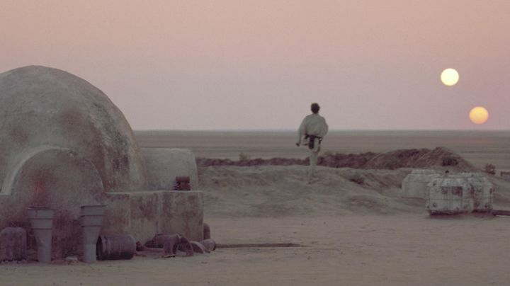 Fashion Trends 2021: The house of the uncle and aunt of Luke Skywalker (Mark Hamill) in Star Wars IV : A new Hope