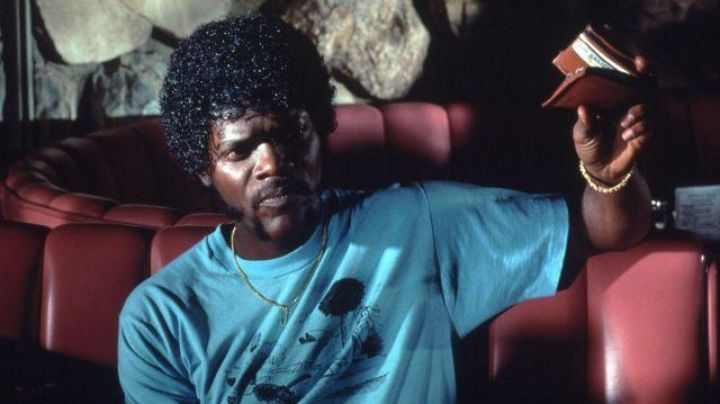 The initial portfolio of Jules Winnfield (Samuel L. Jackson) in Pulp Fiction - Movie Outfits and Products
