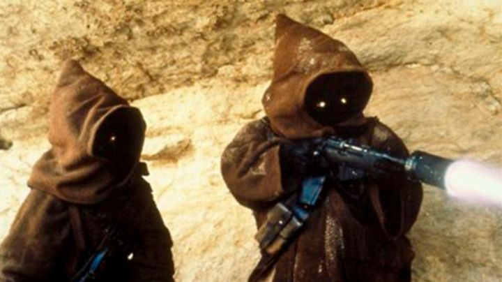 The ion blaster Jawa in Star Wars IV : A new hope - Movie Outfits and Products