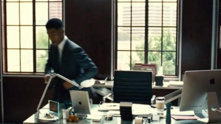 The ipad seen in Entourage - Movie Outfits and Products