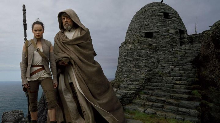 Fashion Trends 2021: The island Skellig in Ireland where Rey joined Luke Skywalker in Star Wars VII : The Awakening of the Force