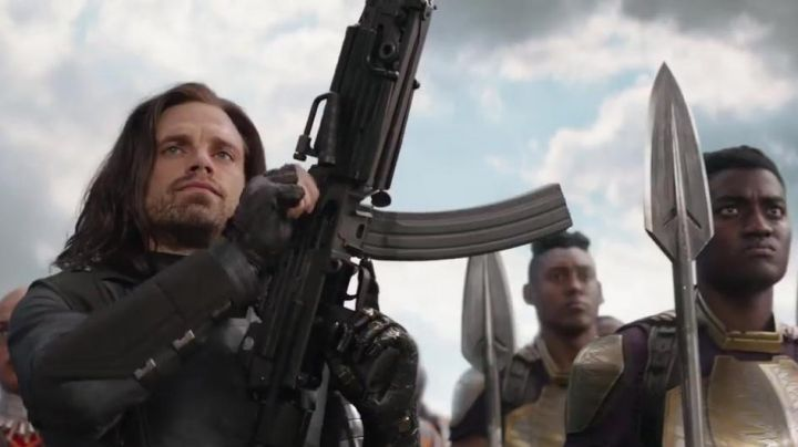 The jacket Bucky Barnes (Sebastian Stan) in Avengers : Infinity War - Movie Outfits and Products