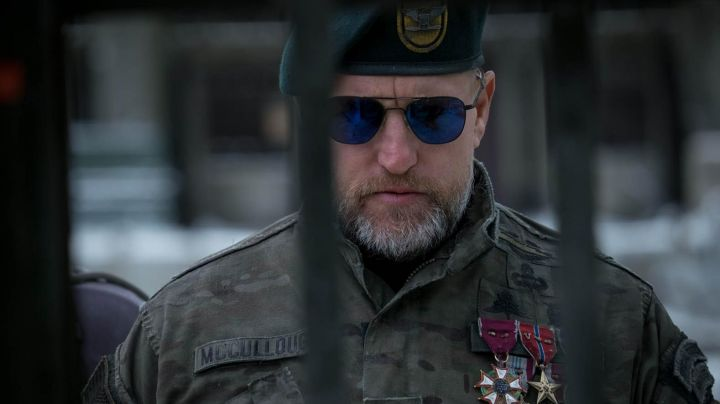 Fashion Trends 2021: The jacket Camouflage Colonel (Woody Harrelson) in The Planet of the apes : Supremacy