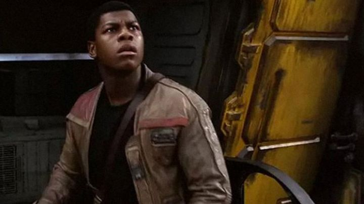 The jacket Finn (John Boyega in Star Wars VII : The awakening of the force - Movie Outfits and Products