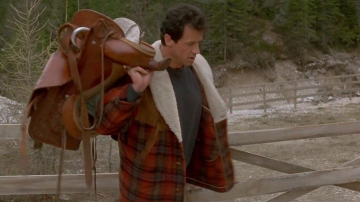 Fashion Trends 2021: The jacket canada worn by Sylvester Stallone in Cliffhanger