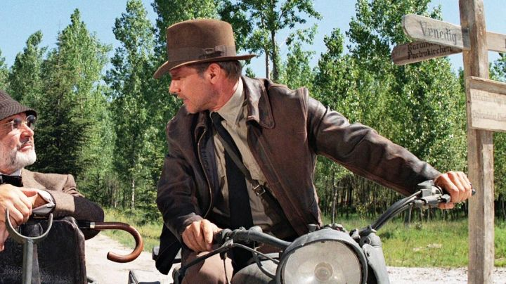 The jacket in brown leather by Harrison Ford in Indiana Jones and the last crusade - Movie Outfits and Products