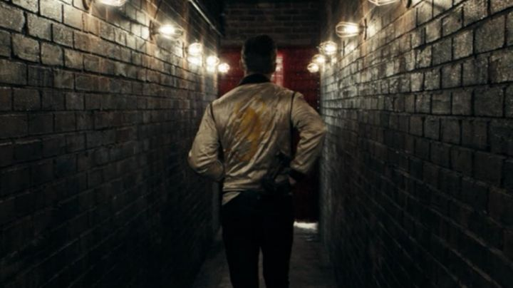 Fashion Trends 2021: The jacket is white with scorpion yellow of Ryan Gosling in Drive