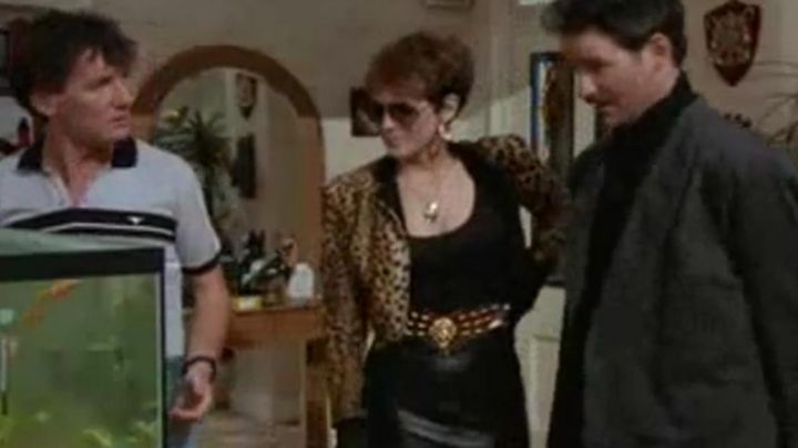 Fashion Trends 2021: The jacket leopard of Wanda (Jamie Lee Curtis) in A fish called Wanda