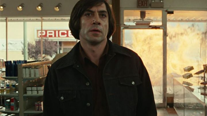 The jacket of Anton Chigurh (Javier Bardem) in No Country For Old Men