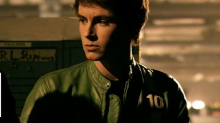 The jacket of Ben 10 (Graham Phillips) in Ben 10 : Race against-the-shows - Movie Outfits and Products