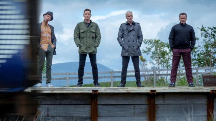 Fashion Trends 2021: The jacket of Franco (Robert Carlyle) in Trainspotting 2