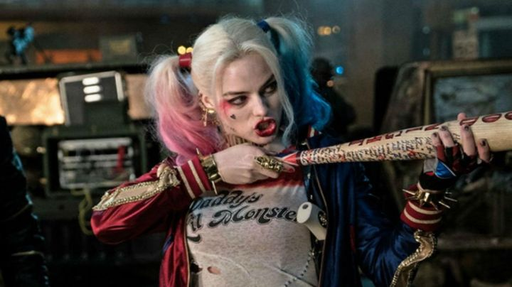 The jacket of Harley Quinn (Margot Robbie) in Suicide Squad movie