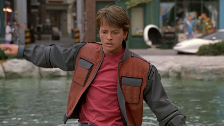 The jacket of Marty McFly (Michael J. Fox) in Back to the future 2 - Movie Outfits and Products