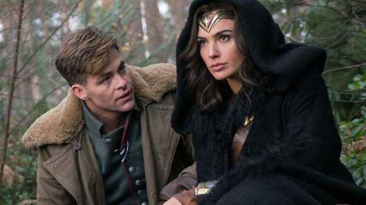 The jacket of Steve Trevor (Chris Pine) version woman in Wonder Woman - Movie Outfits and Products