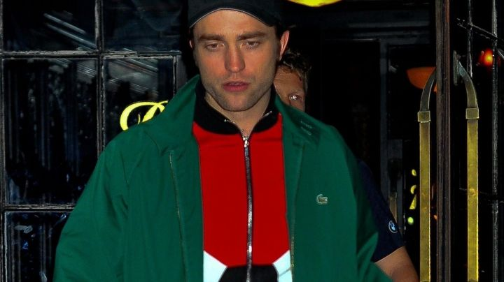 Fashion Trends 2021: The jacket tricolor red/white/black of Robert Pattinson for the promo Good Time