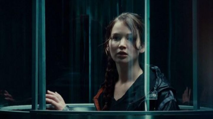 The jacket worn in the arena with Katniss Everdeen (Jennifer Lawrence) in The Hunger Games - Movie Outfits and Products