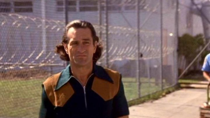The jacket zipéée blue with shoulder pads leather Max Cady (Robert De Niro) in The nerves movie
