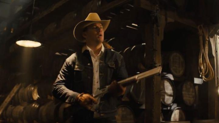 Fashion Trends 2021: The jean jacket of the officer Tequila (Channing Tatum) in Kingsman : The golden Circle