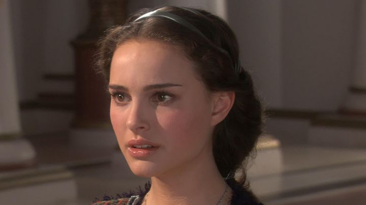 Fashion Trends 2021: The jewel of the head of a Padme Amidala (Natalie Portman) in Star Wars III : revenge of the Sith