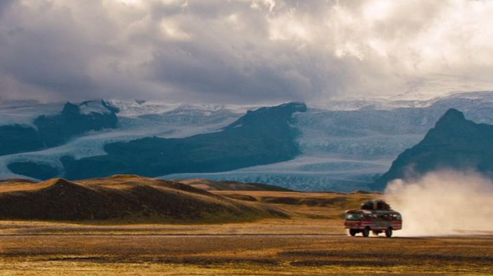 The lagoon ice Fjallsjökull in Iceland in The dream life of Walter Mitty - Movie Outfits and Products