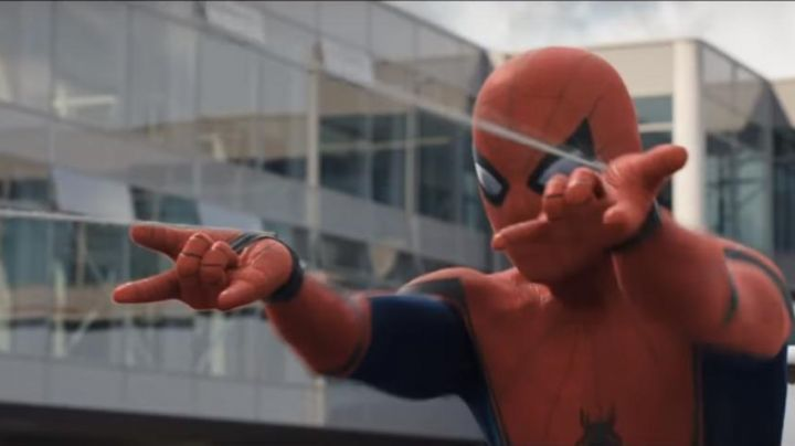 The lance-toiles Spiderman (Tom Holland) in Captain America : Civil War movie
