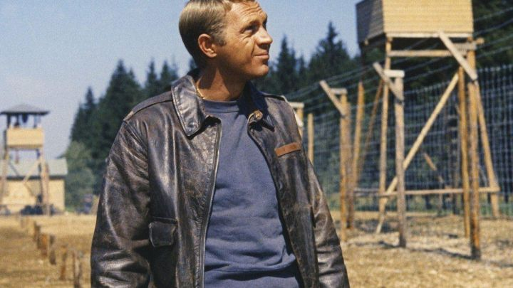 The leather bomber jacket Belstaff of Hilts 'The Cooler King' (Steve McQueen) in The Great Escape Movie