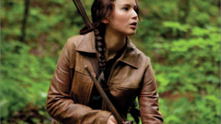 The leather jacket Katniss Everdeen (Jennifer Lawrence) in Hunger Games - Movie Outfits and Products