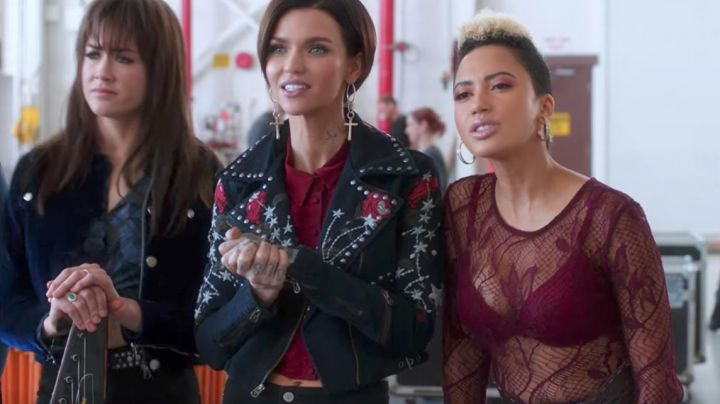 Fashion Trends 2021: The leather jacket True Religion of Calamity (Ruby Pink) in Pitch Perfect 3