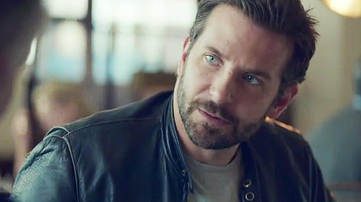 Fashion Trends 2021: The leather jacket, black Bradley Cooper in Burnt