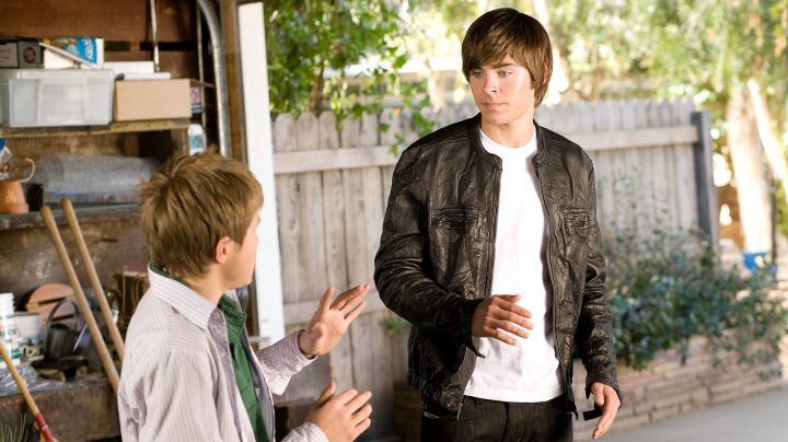 Fashion Trends 2021: The leather jacket, black Mike O'donnell (Zac Efron) in 17 years