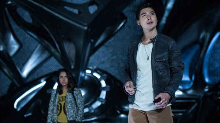 Fashion Trends 2021: The leather jacket from Zack Taylor / Power Ranger Black (Ludi Lin) in Power Rangers